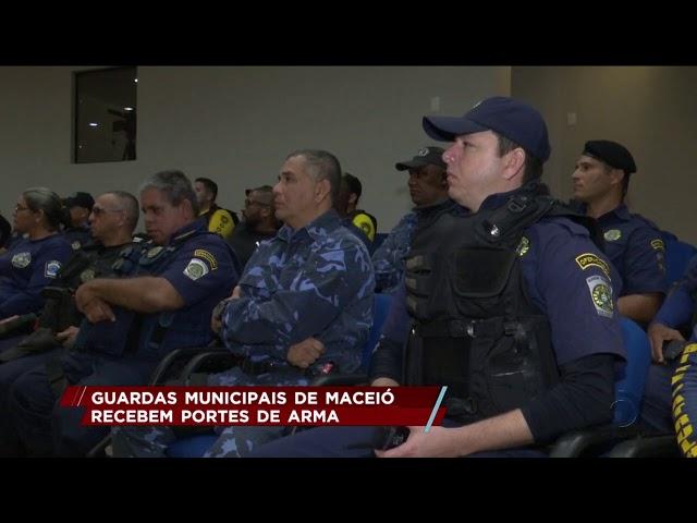 Guardas municipais de Maceió recebem portes de arma