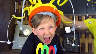 НОВЫЙ Челлендж ПОЙМАЙ ЕДУ если СМОЖЕШЬ! Папа vs Сеня Смешной Челлендж для детей