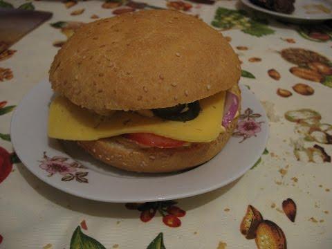 Гамбургер с колбасой рецепт с фото