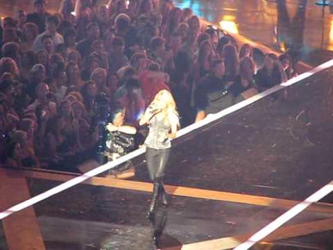 Carrie Underwood  Undo It  CMT Music Awards 2010