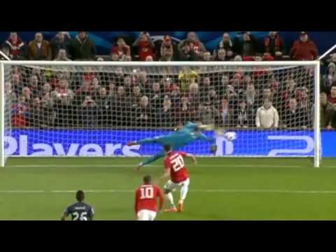 Manchester United vs Olympiakos 3 - 0 Robin van Persie Hat trick