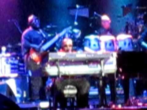 Stevie Wonder @ ACL 2011: Stevie talks about war