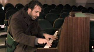 "Chilly Gonzales: ""Dot"""
