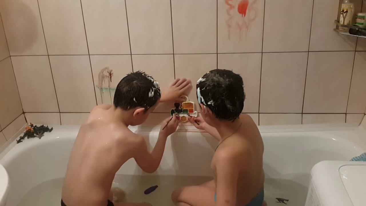 Купаются ванной видео тема