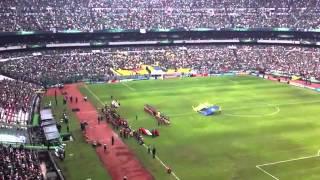 Himno Nacional Mexicano en el Estadio Azteca (100.000 personas)