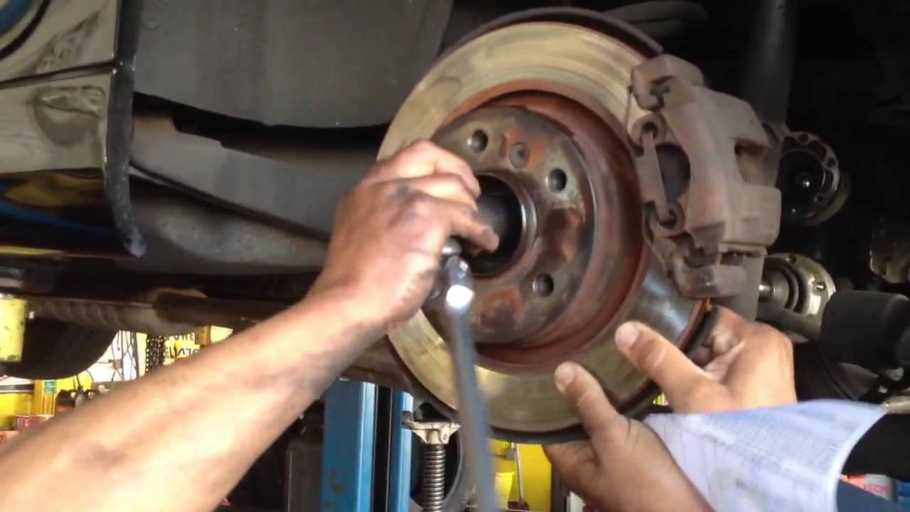 HOW TO REPLACE BMW 325 REAR AXLE