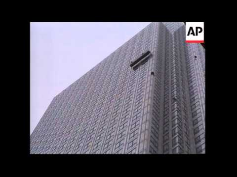"French ""Spiderman"" gets stuck on London skyscraper"