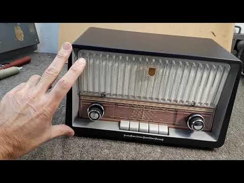 "Philips ""Continental"" B3Z75U AC/DC 1960s Valve Radio Part 1"