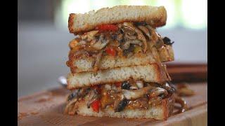 버섯 듬뿍 들어간 샌드위치 입니다. 이렇게 해드심 맛이…