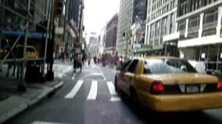 ニューヨーク ブロードウェイ 自転車で走る01 thumbnail
