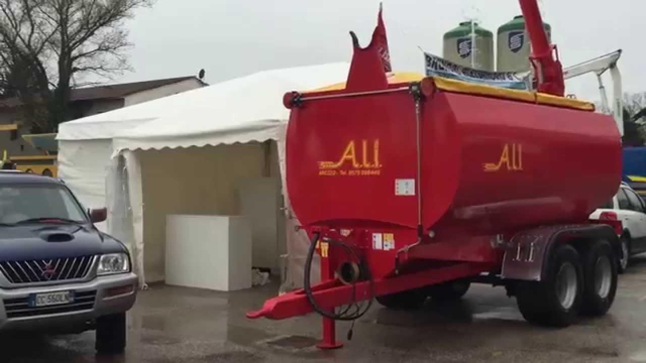 Ali meccanica carrelli agricoli presso agriumbria 2015 for Omp carrelli agricoli