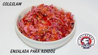 Ensalada coleslaw para acompañar con carne asada