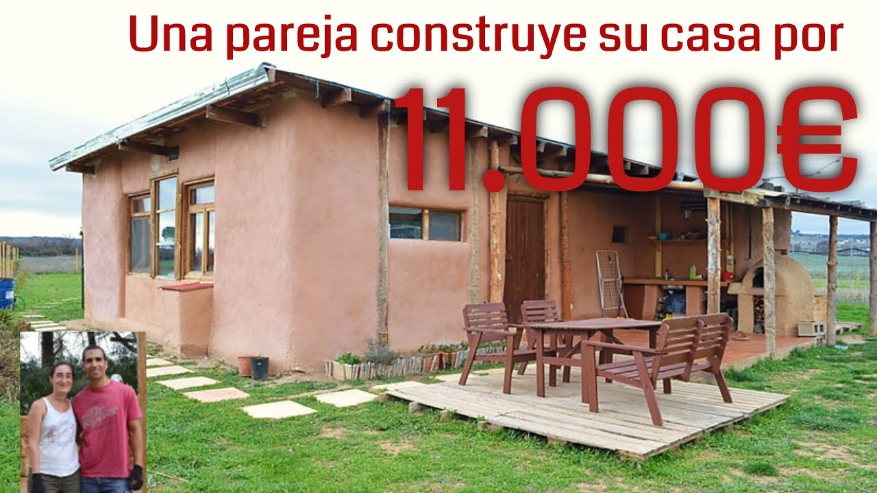 Una pareja construye por 11000 su casa ecologica de paja