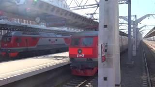 【ロシア】夜行列車でサンクトペテルブルク『モスクワ駅』に到着!