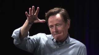 Bryan Cranston drop the Mic After Serving Epic Burn (subtitulado)