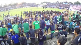 Panser Biru Pyro Show (Bonek Tertib di Semarang)