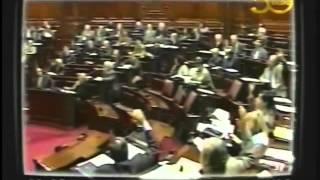 Uruguay Crisis 2002 Código País