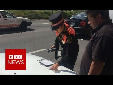 Mexican policewomen battling corruption - BBC News
