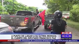 A punto de llegar caravana, amigos, familiares y conocidos despiden al diputado #FranciscoPaz