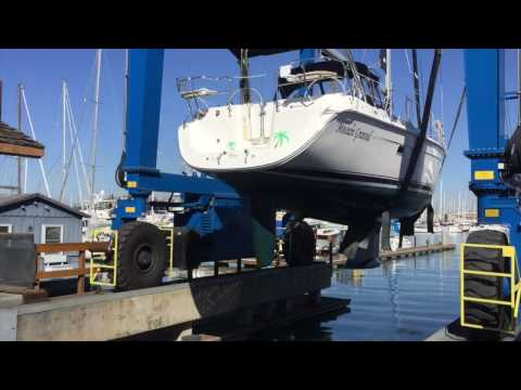 Hunter 39 Sailboat Haul Out for Survey and Hull Inspection By: Ian Van Tuyl