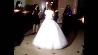 Танец Артура и Илоны в день их свадьбы.