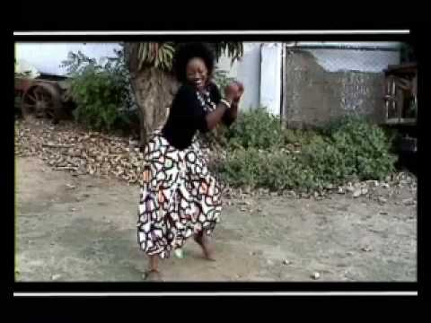 sr karine et fr blaise  yahew kumama (musique gospel)