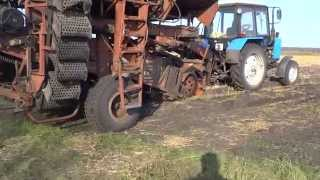 уборка картофеля комбайном КПК2-01(пока делали комбайн тракторист