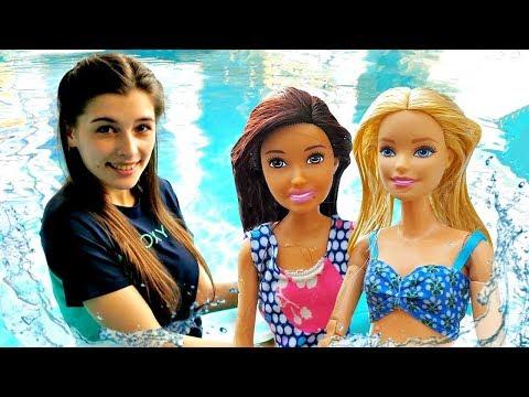 Барби и Скиппер в аквапарке - Водные горки и аттракционы! Мультики для девочек. Ох, уж эти куклы