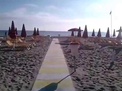 Anteprima spiaggia bagno marilena milano marittima youtube - Bagno zefiro milano marittima ...