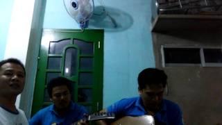 mưa nửa đêm .guitar- Văn Khuyễn