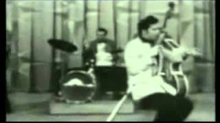 Elvis Presley Hound Dog RainTVMusic