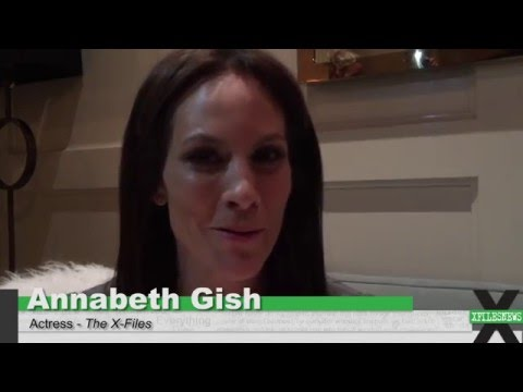 XFN Interviews Annabeth Gish @ The X-Files LA Screening - YouTube