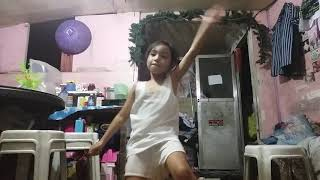 littel lia saulo dansing baambaam -  boomboom.  and balkpink. bat derwas a aksidint
