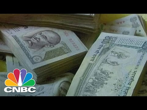 India Faces Cash Crunch Amid Demonetization Drive: Bottom ...