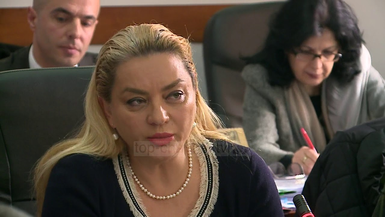 """Kumbaro eviton debatin mbi """"Teatrin"""" - Top Channel Albania - News ..."""