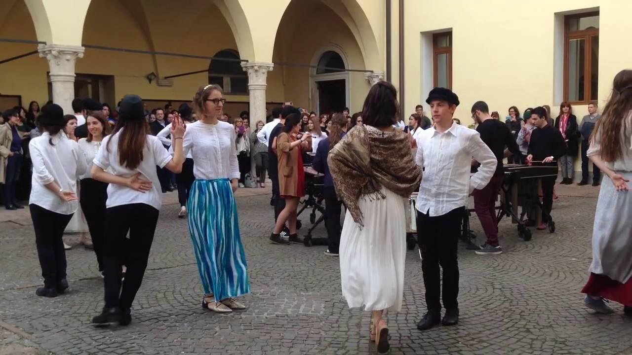 DANZA ELISABETTIANA classe 4B Classico Liceo Pigafetta-Vicenza