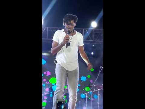 Darshan raval live performance of pehli...