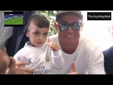 The Palestinian boy Ahmad Dawabsheh in Madrid with his hero cristiano ronaldo