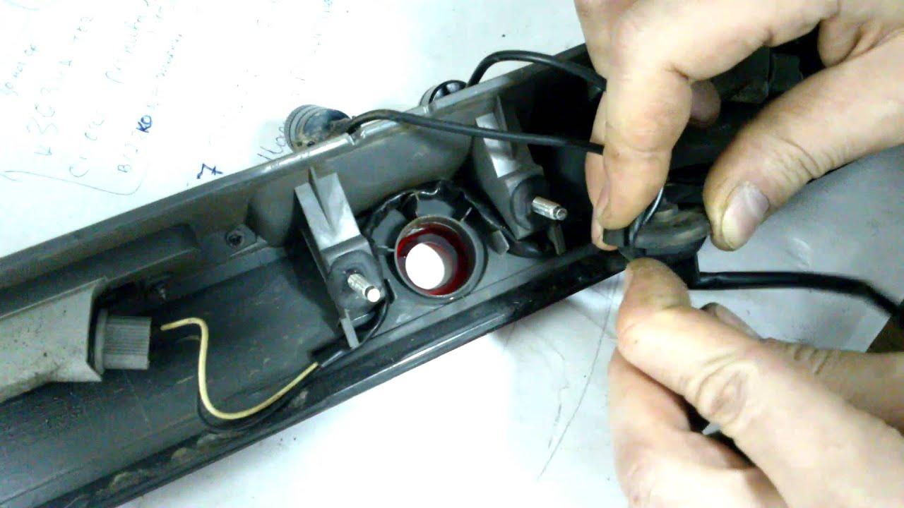 Ставим универсальную камеру заднего вида в машину