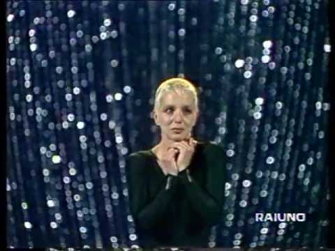 Stefania Rotolo Quot E Una Star Quot She S A Star Youtube