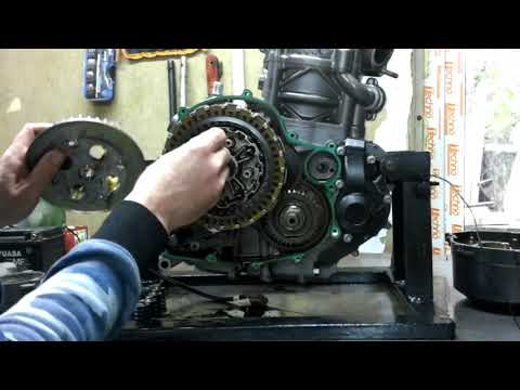 Cнятие крышки сцепления KTM 690