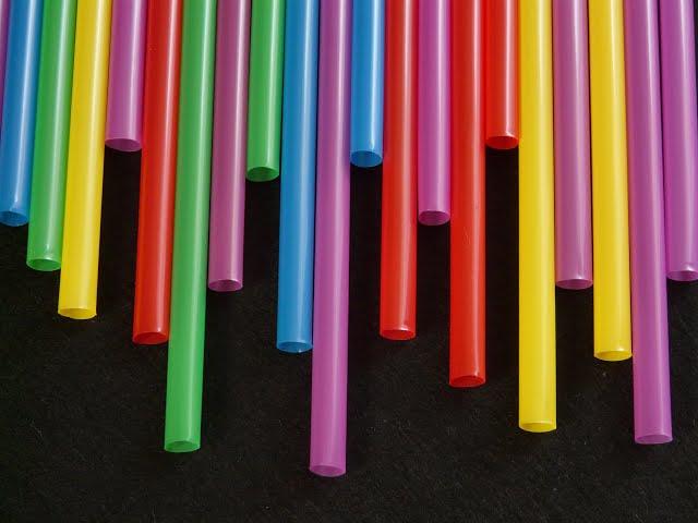 플라스틱 제한 조치 시행 10년, 사용량은 오히려 늘어 1106