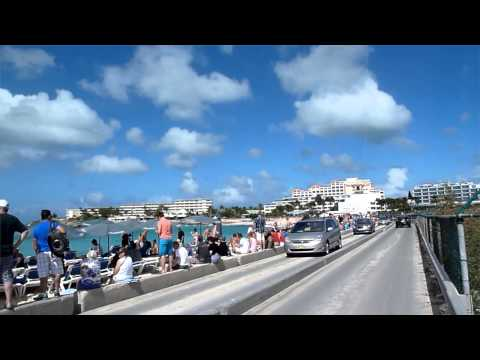 Sint Maarten Caribbean island cruise ship harbour tips - Philipsburg Maho Beach crazy airport
