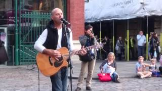 Oasis, Wonderwall - Busking in the streets of London, UK