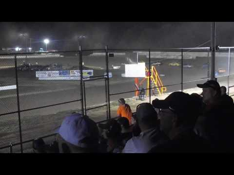 5 Mile Point Speedway - July 12, 2016 - 4-Cylinder Main (last 10 laps)