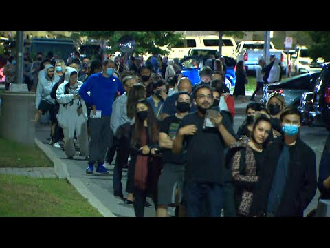 Huge lineups outside King-Vaughan polling station