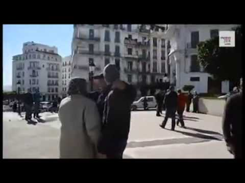 Des manifestants contre un 4e mandat d'Abdelaziz Bouteflika