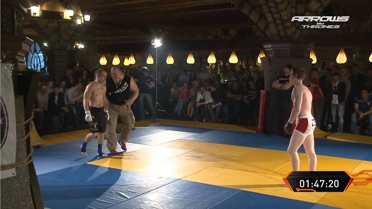 ММА Боец против Ударника Боксера !!!