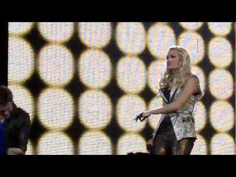 """Carrie Underwood (w/ Hunter Hayes) - """"Leave Love Alone"""" LIVE In Green Bay"""