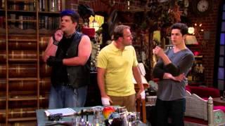 Сериал Disney - Волшебники из Вэйверли Плэйс (Сезон 4 Серия 24) Отвали, гадкий Зомби!